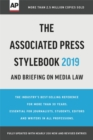 The Associated Press Stylebook 2019 : and Briefing on Media Law - Book