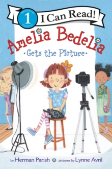 Amelia Bedelia Gets the Picture, Paperback / softback Book