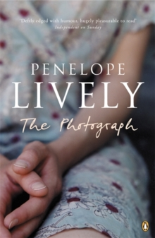The Photograph, Paperback / softback Book