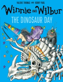 Winnie and Wilbur: The Dinosaur Day, Paperback / softback Book