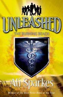 Unleashed 5: The Burning Beach, Paperback / softback Book