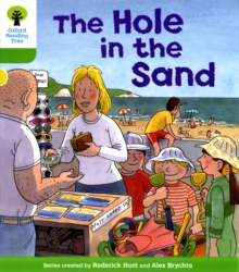 Oxford Reading Tree: Level 2: First Sentences: The Hole in the Sand, Paperback / softback Book