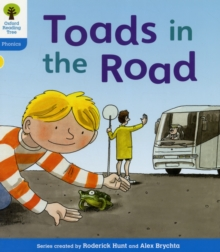 Oxford Reading Tree: Level 3: Floppy's Phonics Fiction: Toads in the Road, Paperback / softback Book