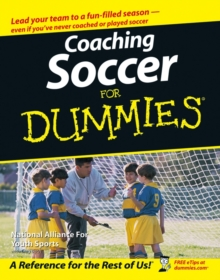 Coaching Soccer For Dummies, Paperback / softback Book