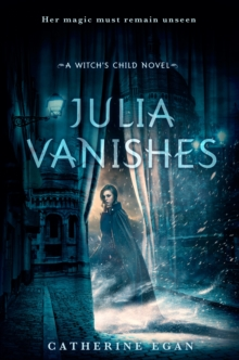 Julia Vanishes, Paperback Book