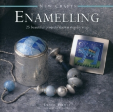 New Crafts : 25 Beautiful Projects Shown Step by Step, Hardback Book