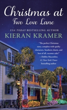 Christmas at Two Love Lane, Paperback Book