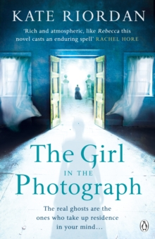 The Girl in the Photograph, Paperback Book