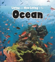 Living and Non-living in the Ocean, Hardback Book