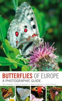 Butterflies of Britain and Europe : A Photographic Guide, Paperback Book
