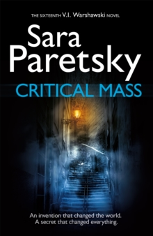 Critical Mass : V.I. Warshawski 16, Paperback Book