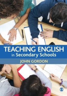 Teaching English in Secondary Schools, Paperback Book