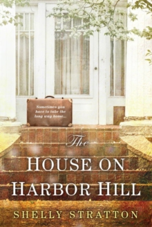 The House On Harbor Hill, Paperback Book