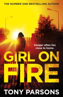 Girl On Fire : (DC Max Wolfe), Hardback Book