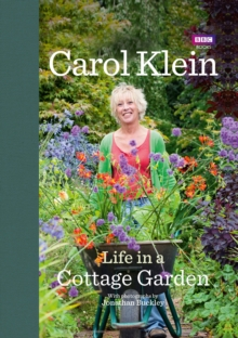 Life in a Cottage Garden, Hardback Book