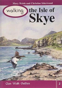 Walking the Isle of Skye, Paperback Book